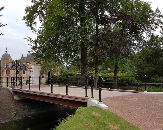 bruggen Huize Ruurlo – Museum More