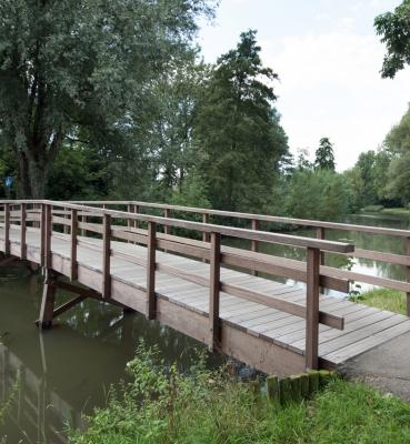 Houten bruggen meerdink bruggen - Houten brugtuin ...